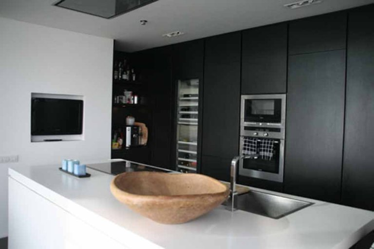 luxury-3-bedroom-duplex -penthouse-for-rent-in-diagonal-mar-kitchen
